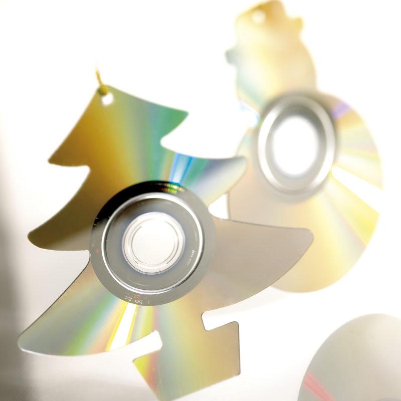 CD + DVD Material